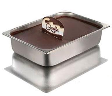 di Ricerca e Sviluppo Mec3, Quella® è la prima, l\u0027originale, l\u0027unica  crema spalmabile alla nocciola in vaschetta da proporre nella vetrina gelato .