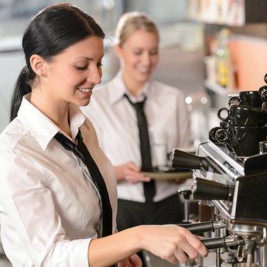 Barista prepara caffè